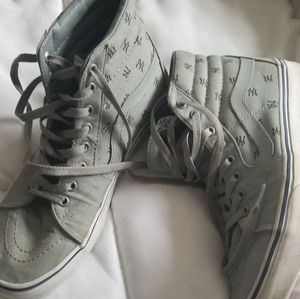 NY Yankees Vans Excellent Condition 8.5 Mens